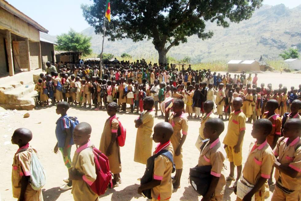 Escuela de N'Drock. Unica escuela abierta en el Extremo Norte de Camerún a pesar del terrorismo de Boko Haram