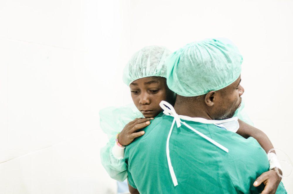 campaña cirugía zerca y lejos