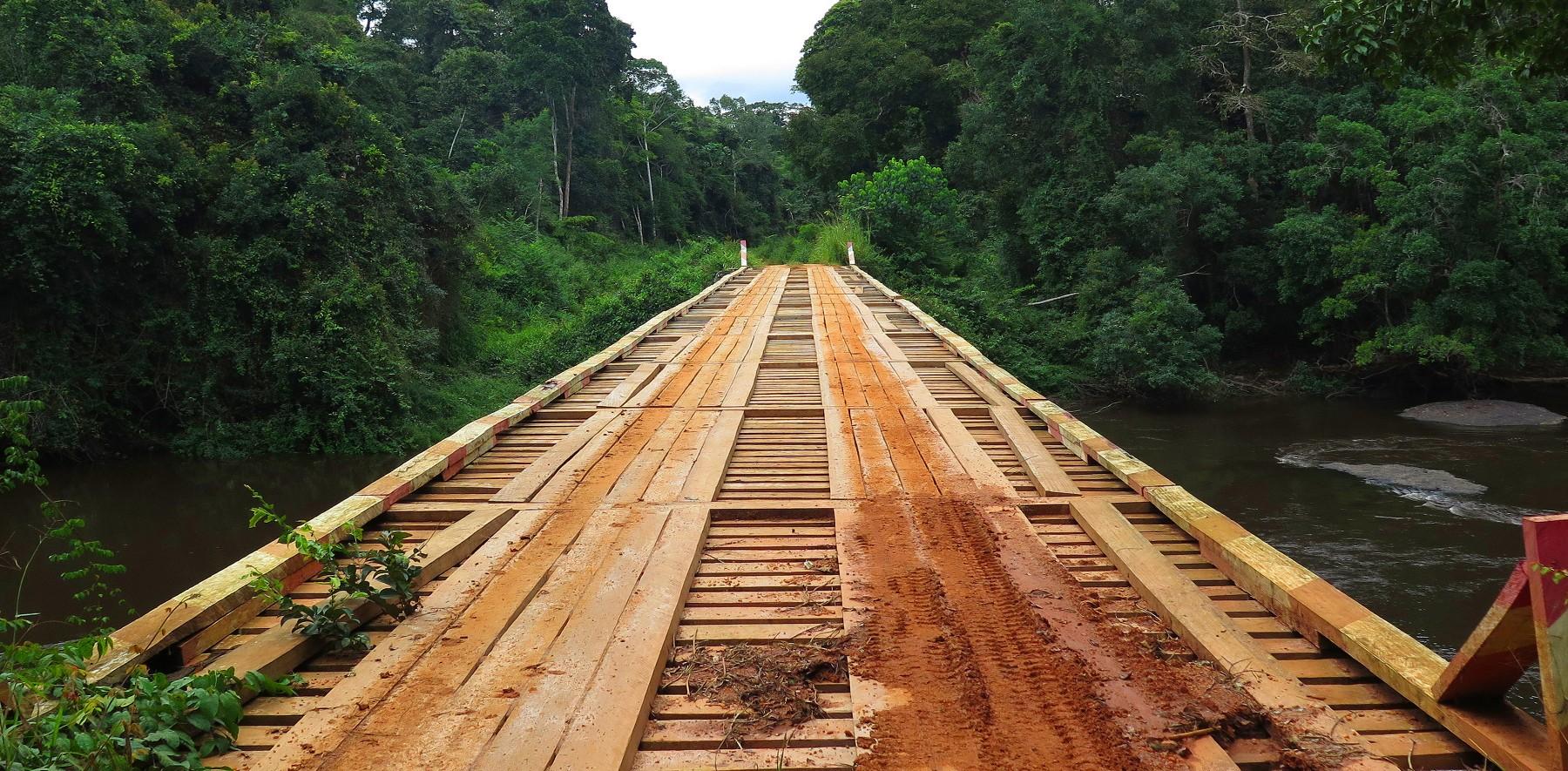 Puente Zerca y Lejos