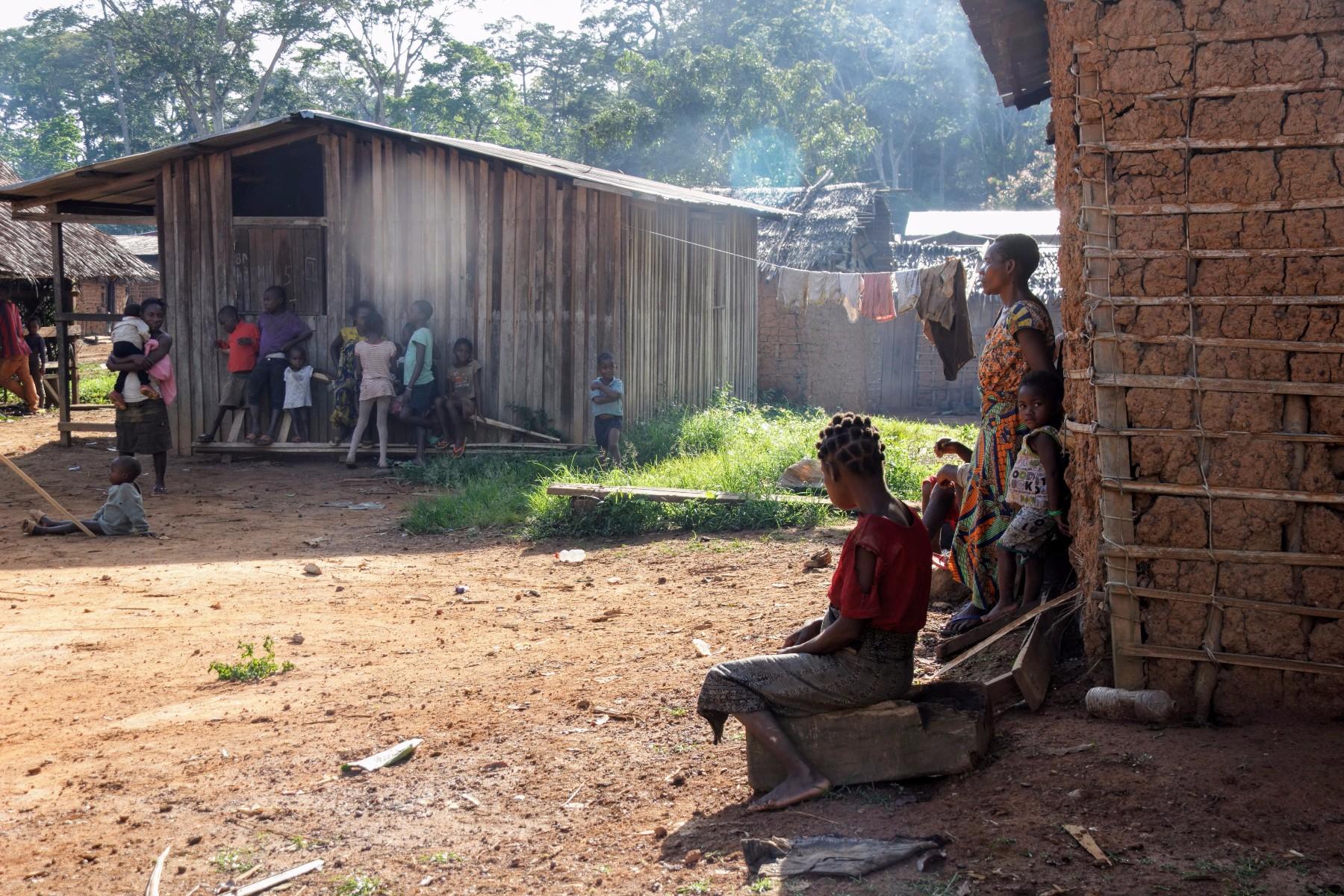Pueblo Baka Camerún en África