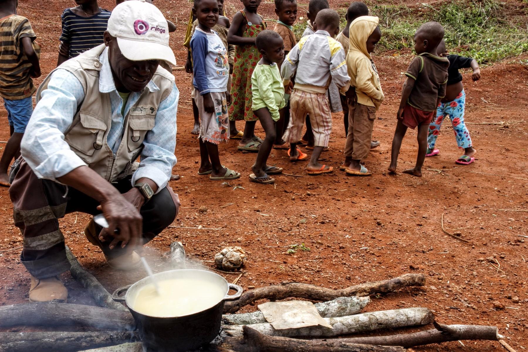 Educación Pigmeos Baka Camerún