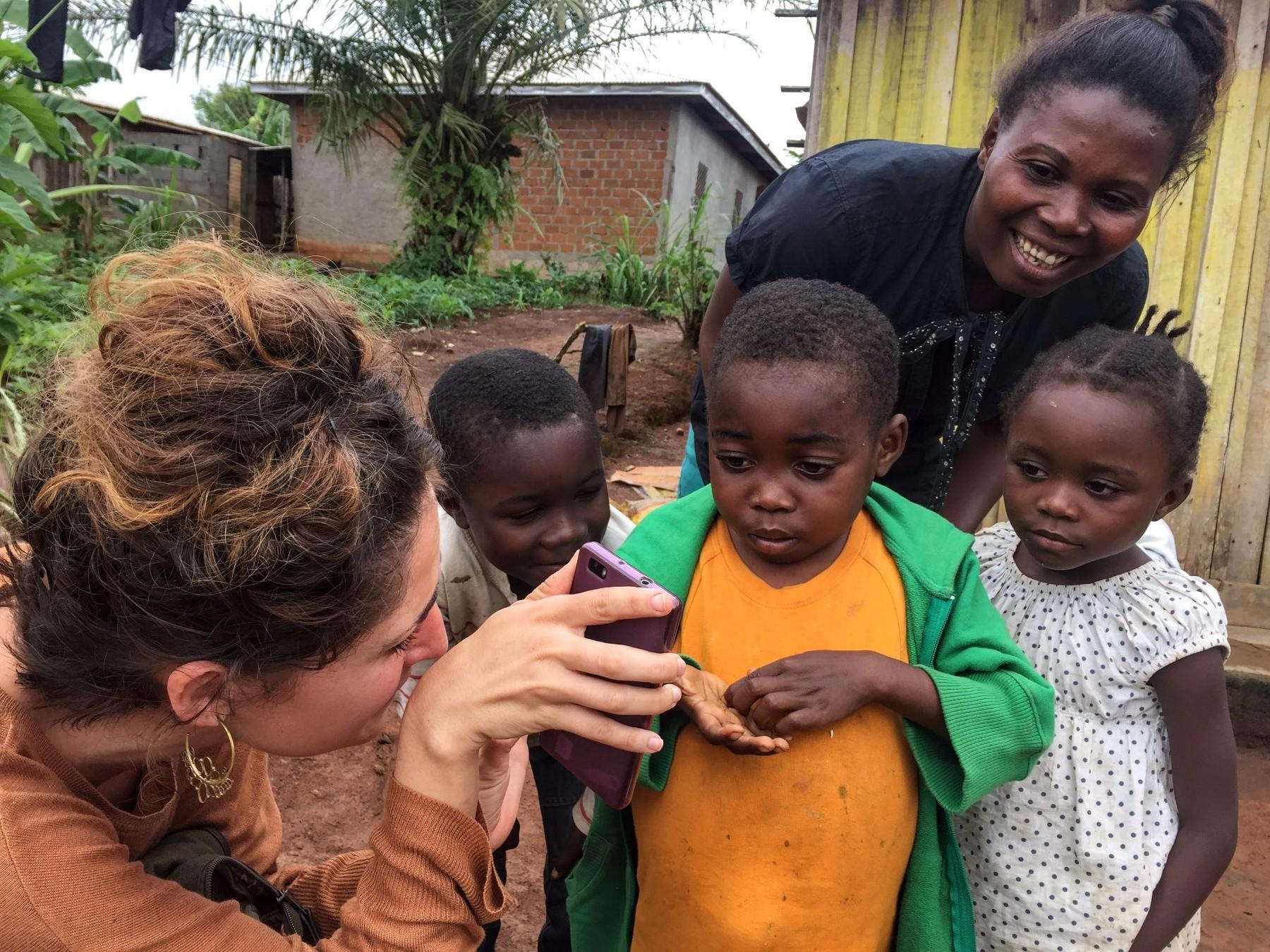 menores en riesgo en camerun