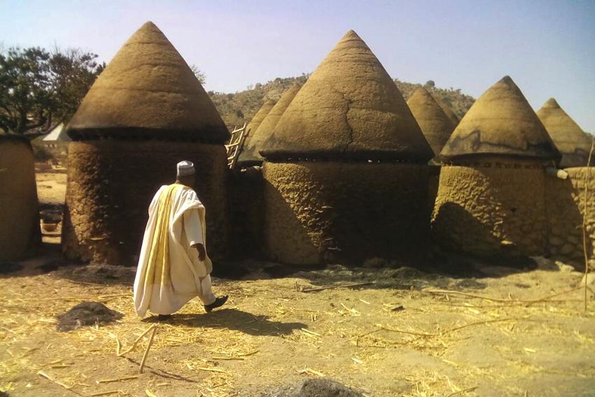 Antoine Bouba en la aldea atacada por boko haram